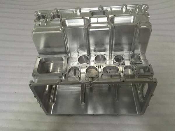 Precision Aluminum prototype with CNC machined
